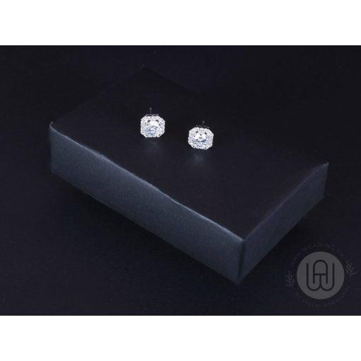 Fülbevaló ezüst kocka kővel pave díszítéssel
